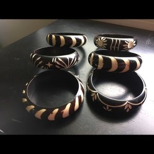 Jewelry - Black and White Chunky Bangle Bracelets